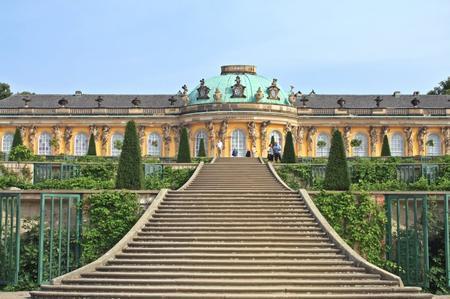 come-visitare-il-palazzo-di-sanssouci-a-potsdam_4f6c80feb3f5e75d8aaee2b6af9ddbbc